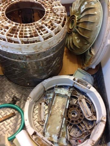パナソニックの洗濯機分解クリーニングへ