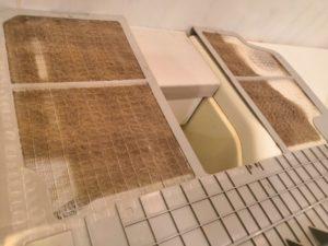浴室乾燥機のフィルターの汚れ