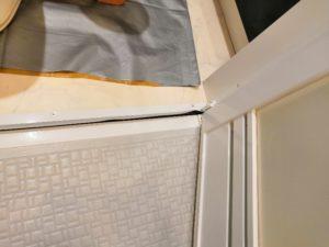 ドアやドア枠の水垢汚れのクリーニング後
